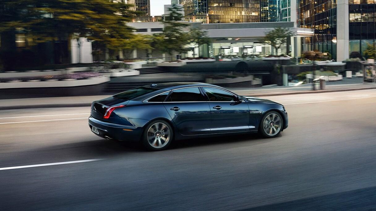 Le lancement de la Jaguar XJ repoussé