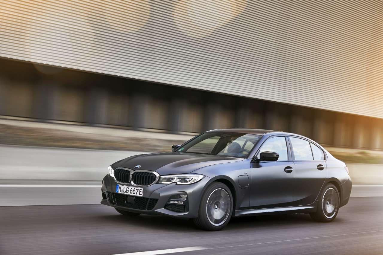 BMW 320e et 520e : BMW rend ses berlines hybrides rechargeables encore plus accessibles